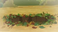 Young Applejack's pit trap S9E10
