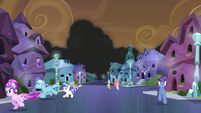 Crystal Ponies fleeing from Sombra's smoke S9E1