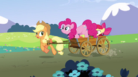 Pinkie Pie jumps into the cart S3E3