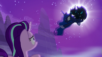 Princess Luna gets seized by changelings S6E25