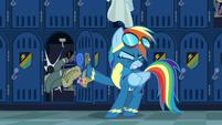 Rainbow tosses her jacket aside S6E7