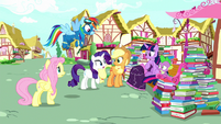 """Rarity """"there's no time like the present"""" S8E18"""