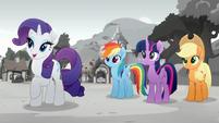 Rarity is planning a festival. Rainbow, Twilight and Applejack 2 Rainbow Roadtrip