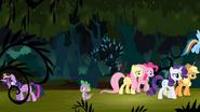 S04E02 Twilight i Spike wracają do Ponyville