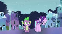 Spike sees Starlight feeling down S6E2