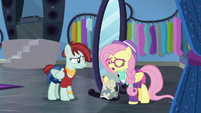 """Fluttershy """"isn't even on the same page"""" S8E4"""