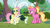 Fluttershy singing with Angel's family S9E26