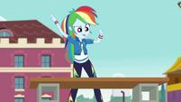 Rainbow Dash about to chop wood CYOE4b