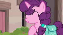 Sugar Belle about to introduce herself S7E8