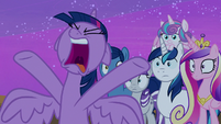 Twilight Sparkle yelling -stands so close!- S7E22