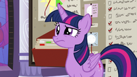 Twilight looking annoyed at Discord S9E17