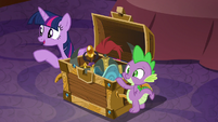 Twilight pairs up Silverstream and Gallus S8E15