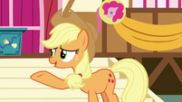 Applejack -who's gonna get her-- S8E18