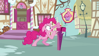 Pinkie Pie checking on the mailbox again S3E07