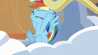 Rainbow jumps in the rollercoaster's front seat S8E5