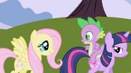 S01E01 Fluttershy rozmawia ze Spike'iem