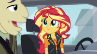 Sunset Shimmer listening to Mr. Doodle CYOE5c