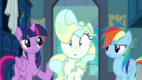 Twilight suggests telling Sky Stinger the truth S6E24