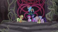 """Applejack """"any of y'all pack somethin'"""" S8E25"""