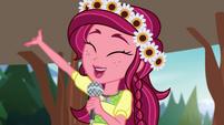 Gloriosa Daisy --walking sticks for everyone!-- EG4