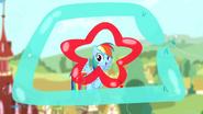 S04E12 Rainbow w balonowych ramkach