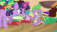 Spike crying next to Twilight S2E21