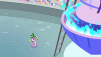 Spike looking up at the torch S4E24