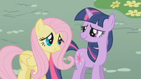 "Twilight ""my good friend Fluttershy"" S01E07"