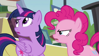 """Twilight """"trying to get rid of all the books"""" S4E22"""