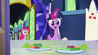 Twilight -we better cover them up- S5E19