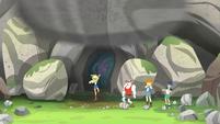 Applejack tosses the giant boulder with ease EG4