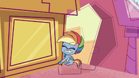 Rainbow Dash trying to lift a building PLS1E2a