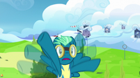 Sky Stinger starts flailing in the air S6E24