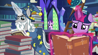 Starlight joins Twilight and Star Swirl in the library S7E26