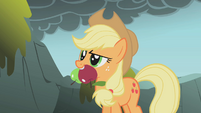 Applejack with apples S01E07