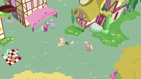 Everypony staring at Angel-Fluttershy S9E18