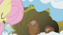 Fluttershy waking up critters S1E11
