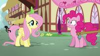 Pinkie Pie's scrunchy face S5E19