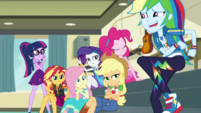 Rainbow's friends look disapproving at her EGDS5