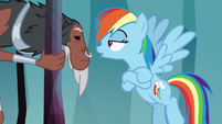 """Rainbow """"nopony can open the door"""" S8E25"""