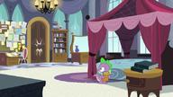 S05E10 Spike słyszy pukanie do drzwi