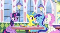 S05E12 Twilight i dawne przyjaciółki uśmiechają się