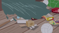 Sea water washes over Pinkie's board games S6E22