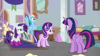 "Twilight Sparkle ""the Amulet of Aurora!"" S8E17"