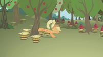 Applejack bucking a tree S1E04