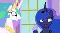 """Luna """"I have the perfect accessories"""" S9E13"""