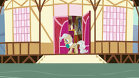 Mayor Mare nervously pacing back and forth S5E19
