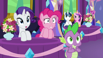 Rarity, Pinkie, and Spike feel less awkward S7E1