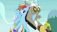S05E22 Rainbow Dash ze swoim kumplem