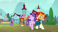 Starlight leads Sunburst away from their parents S8E8